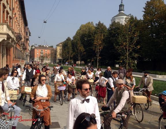 The Ladybug Chronicles - Tweed Ride 09